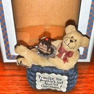 New in box Boydes collection basketbearies